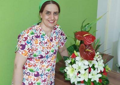 دکتر ماندانا اکبری